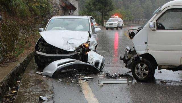 事故 夢 交通